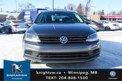 Certified Pre-Owned 2015 Volkswagen Jetta Sedan Trendline+ w/Backup Cam 0.9% Financing Available OAC.