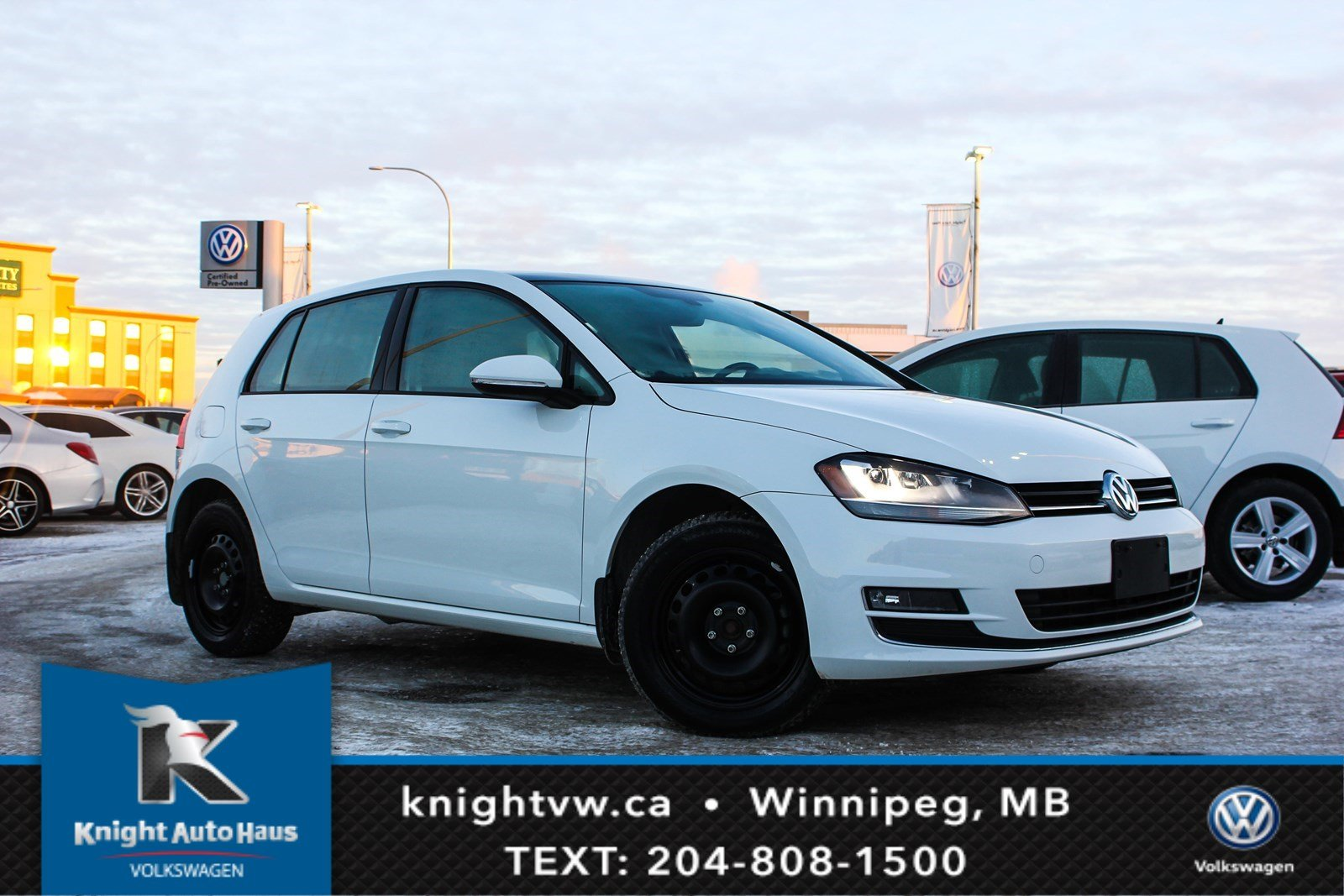 Certified Pre-Owned 2017 Volkswagen Golf Highline 5Doors w/Drive Assist/Light/Winter Tires 0.9% Financing Available OAC.